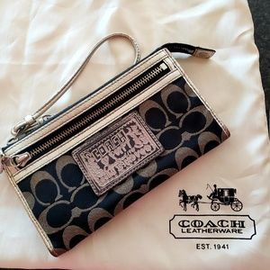 Black Coach Poppy Wristlet Wallet